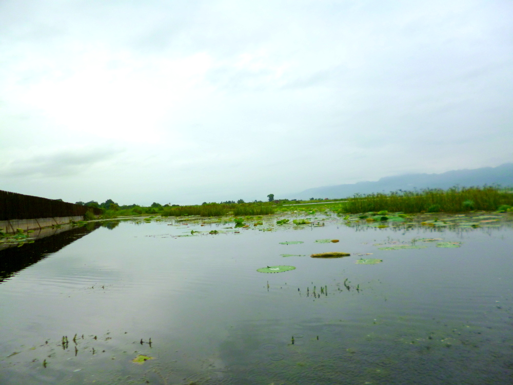Benefits of visiting Myanmar during rainy season: Inle Lake