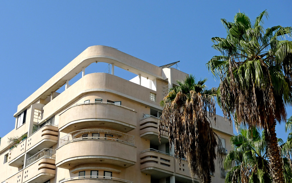 Tel aviv israel bauhaus architecture flickr for Architecture bauhaus