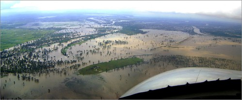 Rockhampton in flood (Dec. 2010) | by Tatters ❀