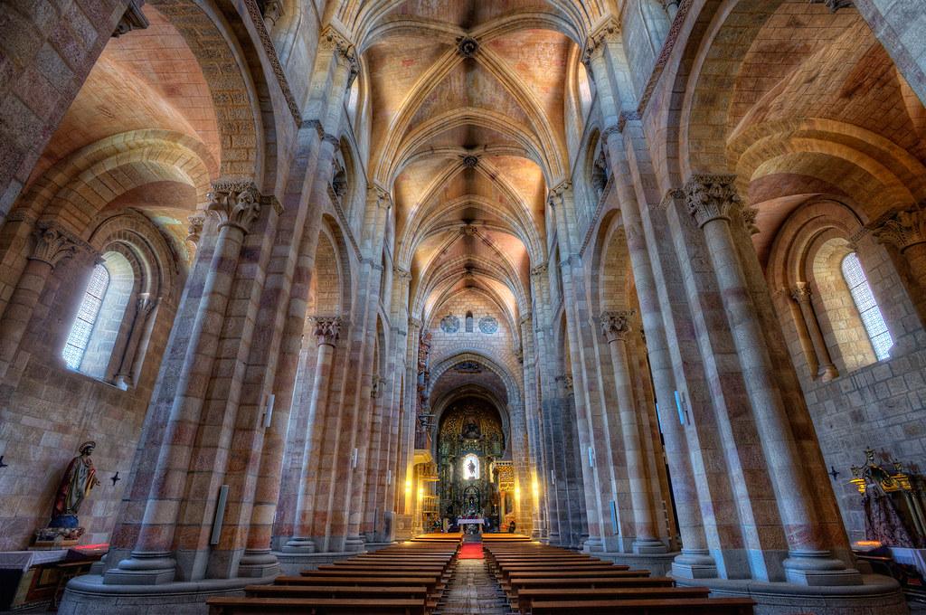 Interior St. Vincents Basilica – Basílica de San Vicente ...
