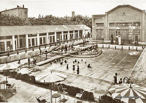 Manresa barcelona 12348 piscina municipal archivo for Piscina municipal manresa
