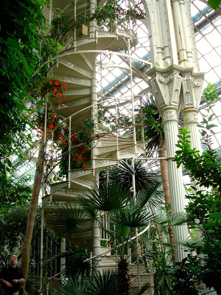 Palm House | Craig admires the stunning wrought iron ...