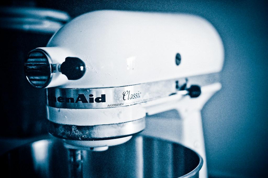 Kitchen Aid Blue Willow  Qt