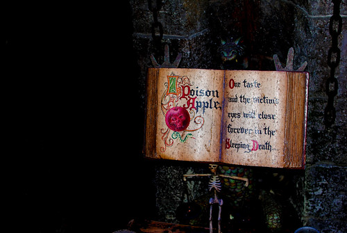 Snow White Poison Apple Recipe Book | Flickr - Photo Sharing!