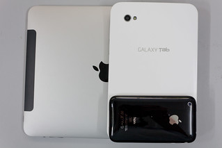 Samsung Galaxy Tab - size compare to iPad and iPhone 3GS | by liewcf