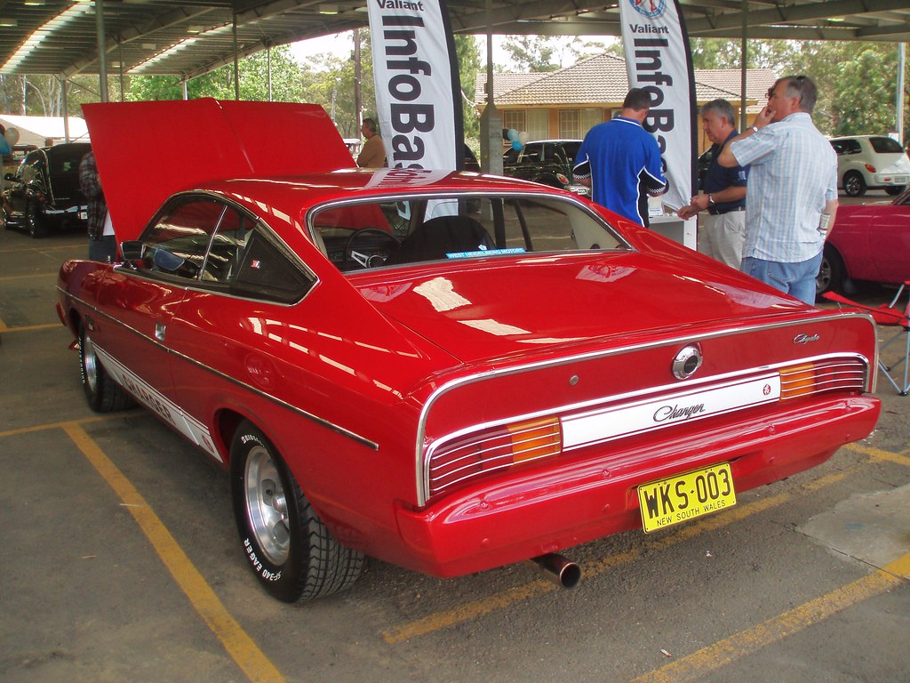 Chrysler 100