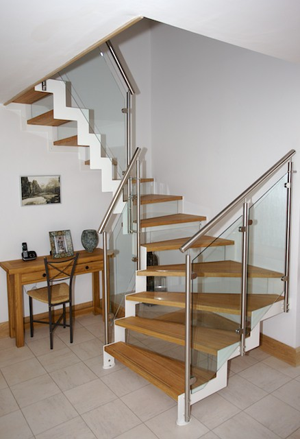Half Turn Modern Staircase With Oak Treads Nick Rackham
