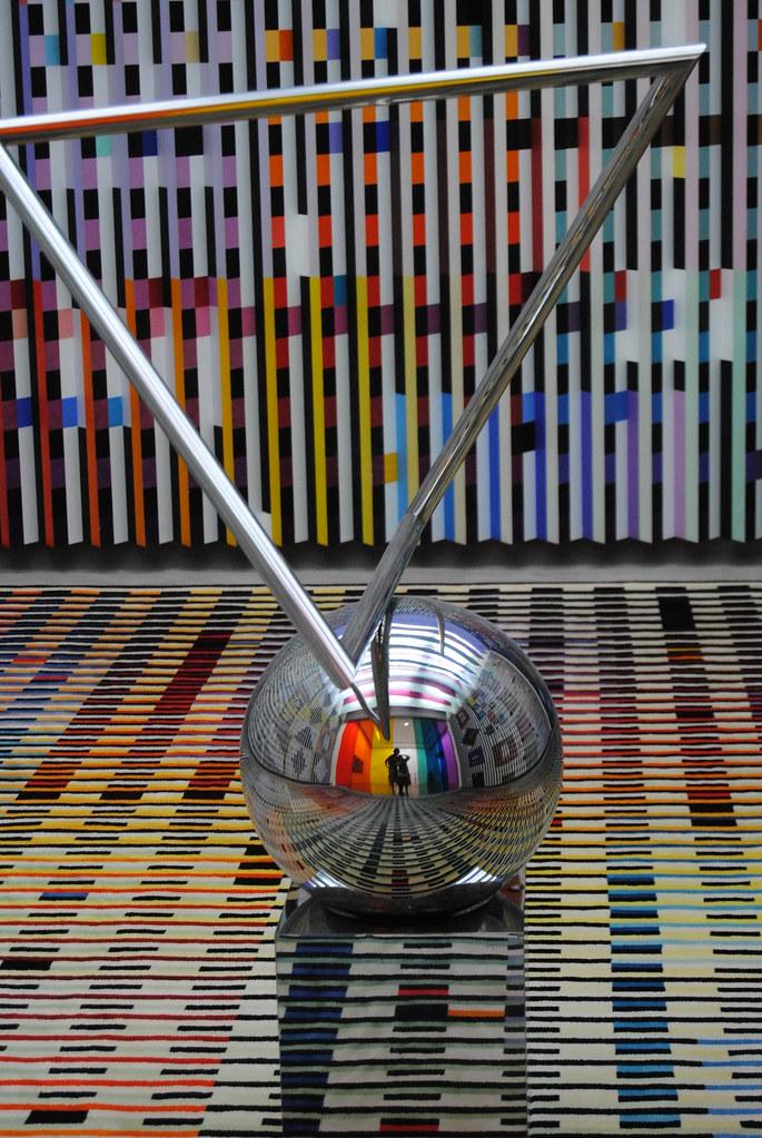 Museo Pompidou.Bola Museo Pompidou David Rodriguez Flickr