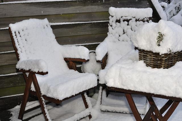 Nieuwe kussens voor de tuinstoelen   Flickr   Photo Sharing!