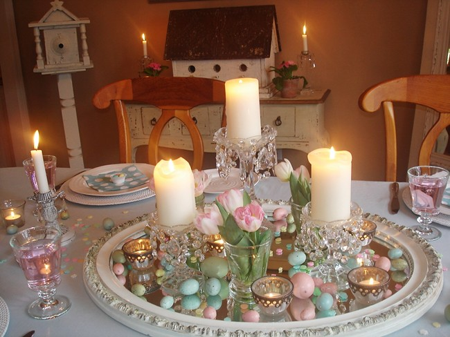 Easter decorating dining table centerpiece pretty pastel for Easter dinner table setting ideas