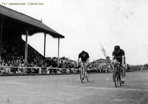 Cycle racing, Harris Stadium, Fallowfield.
