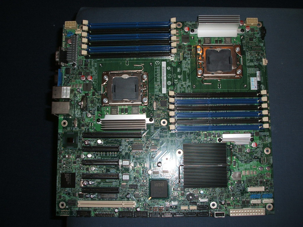 intel server board s5520hc kaufen buy e mail an. Black Bedroom Furniture Sets. Home Design Ideas
