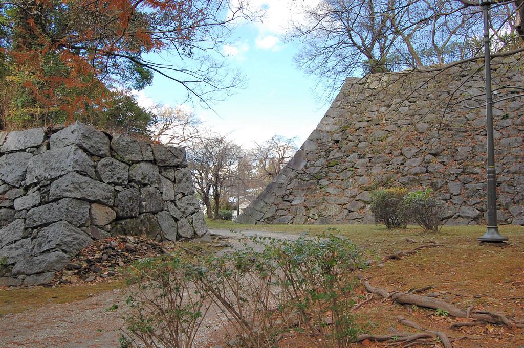 Fukuoka Castle Ruins  Fukuoka Castle in Chuo-ku was once ...