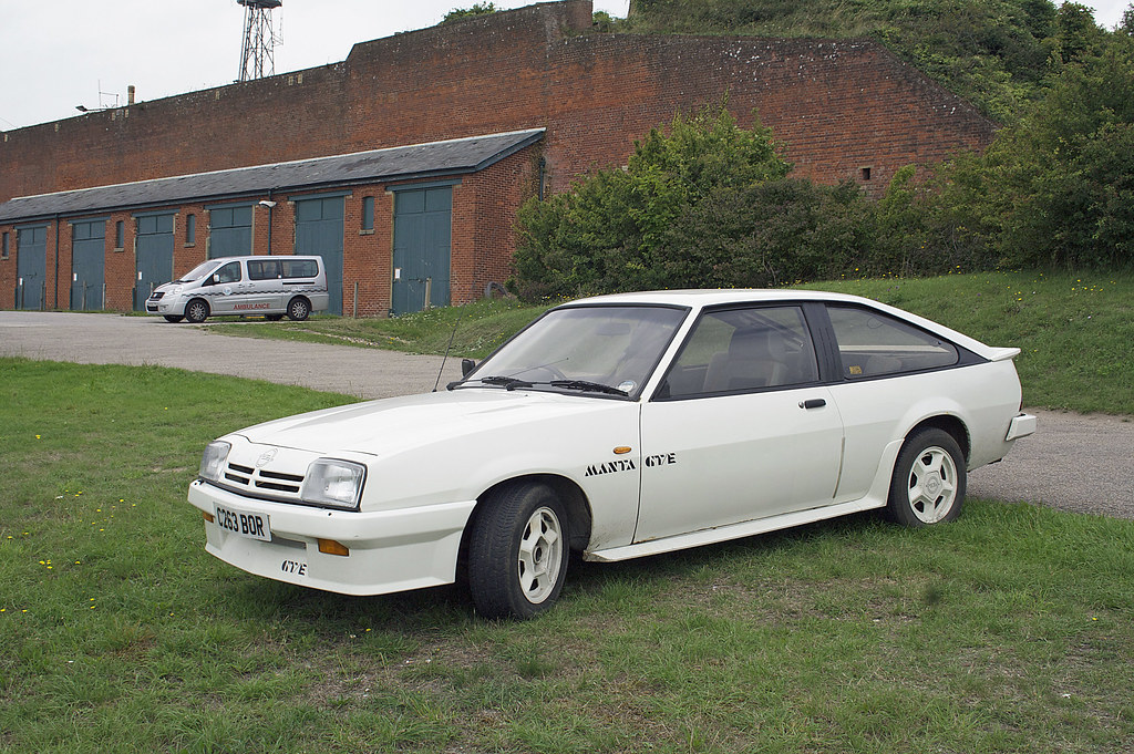 opel manta gte a few 1980s cars i 39 ve seen on my travels. Black Bedroom Furniture Sets. Home Design Ideas