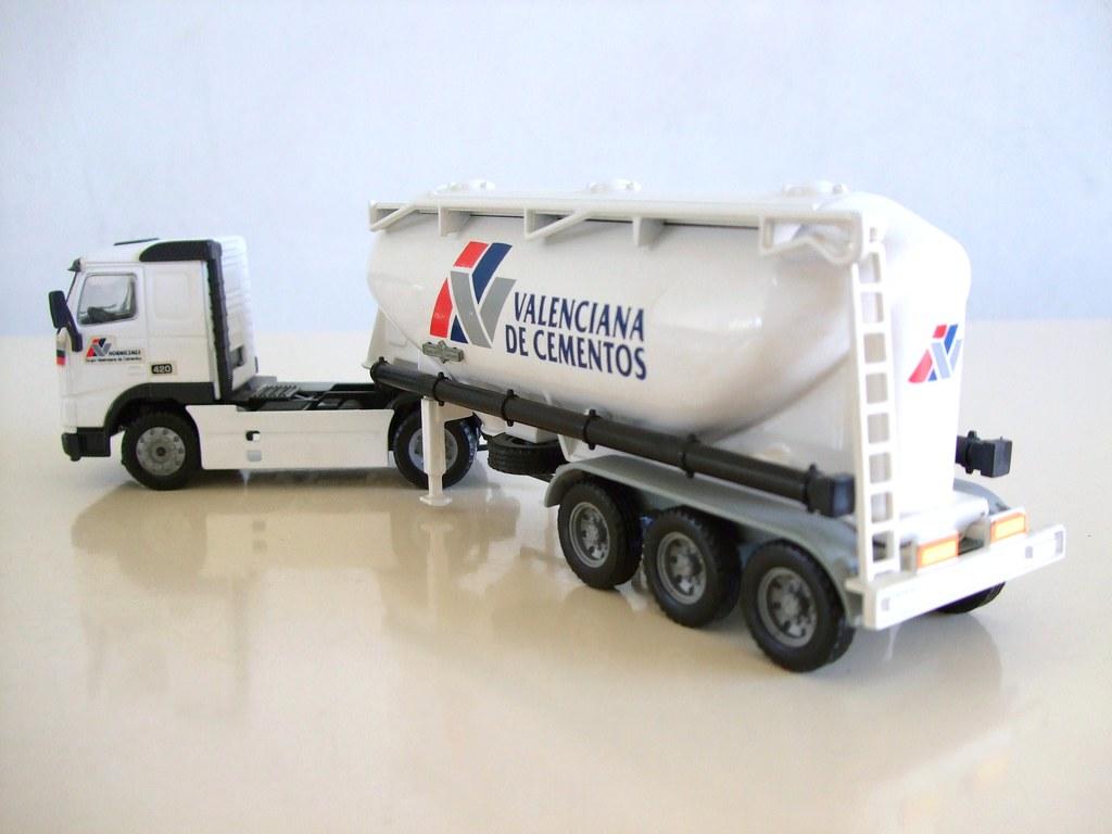 Camion cisterna de cemento volvo joal joal for Cisternas de cemento