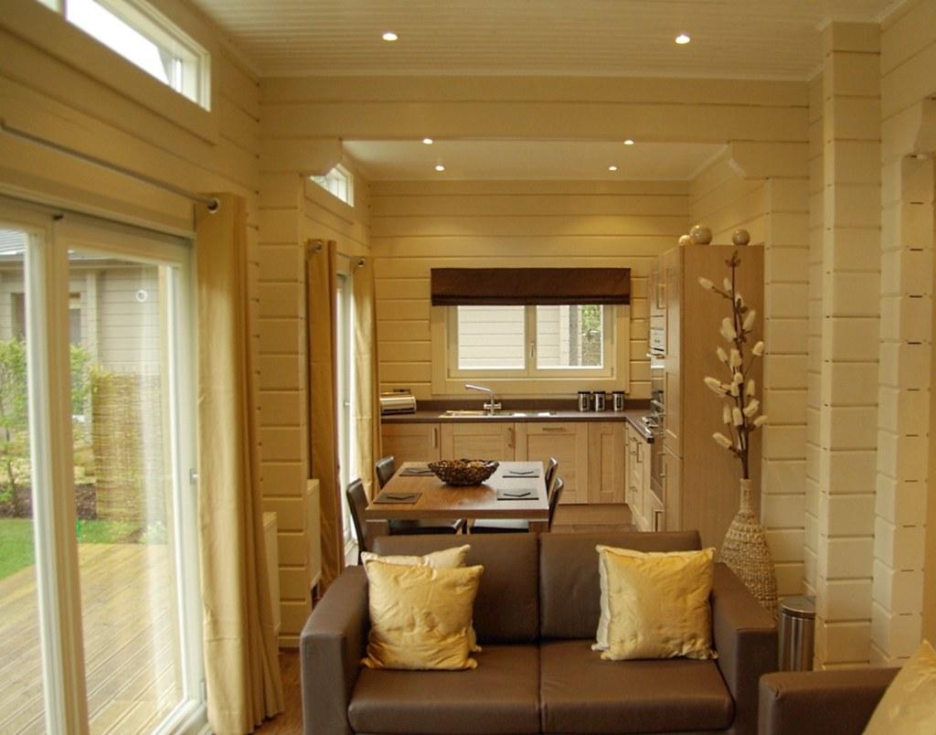 Interieur foto van een houten huis houtstapelbouw flickr - Interieur eigentijds houten huis ...