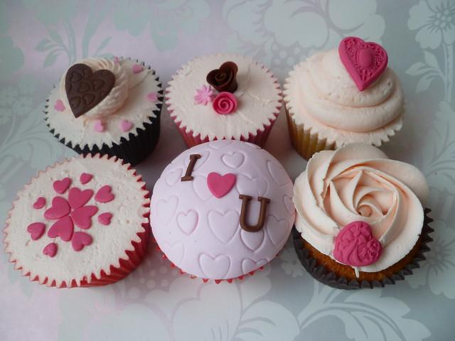 I Love U shabby chic Valentines cupcakes | Flickr - Photo ...