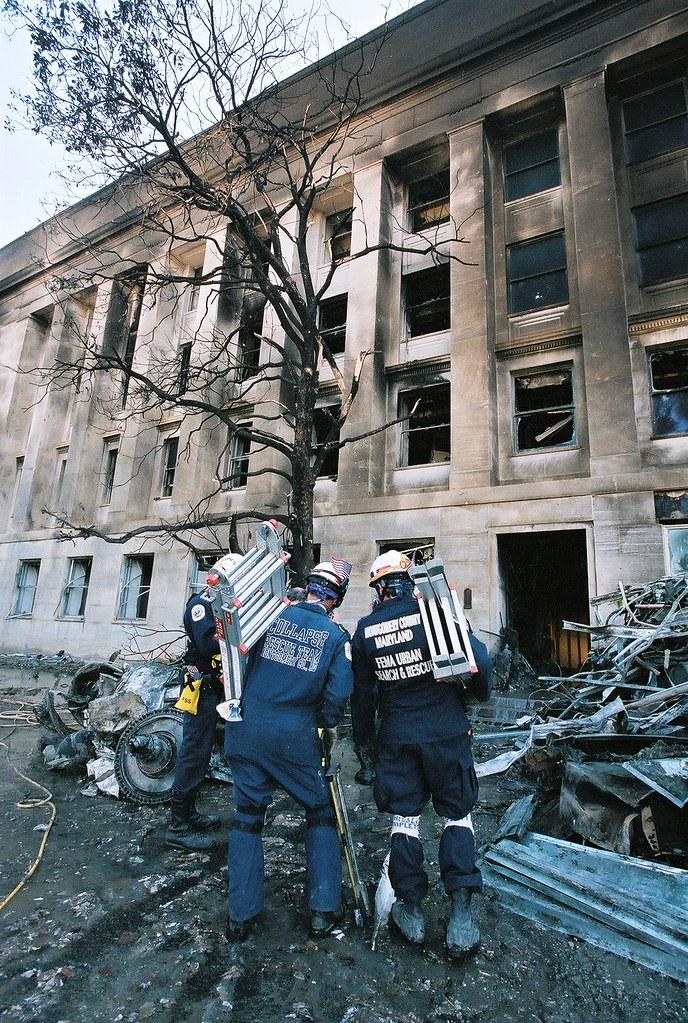 Pentagon 911 | September 13, 2001-- The main entrance to ...