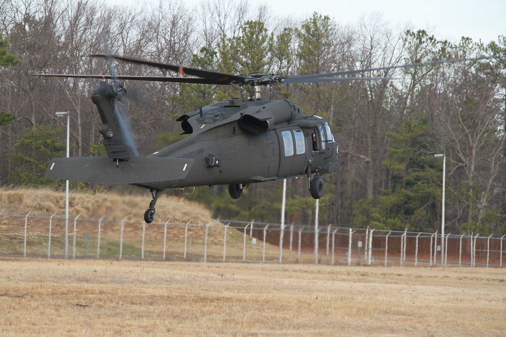Helicopter crews from Virginia Guard aviation battalion de ...