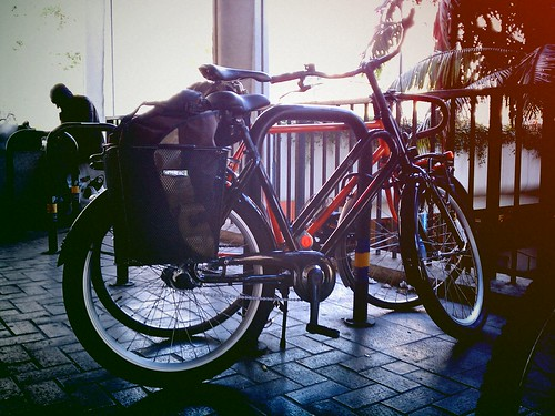 Batavus BuB and one of Bicycle Fixation's beauties under City Hall South for LAbikeplan | by ubrayj02