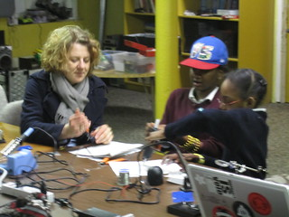 "Raven showing reports from ""DIE ZIET"" how to solder 