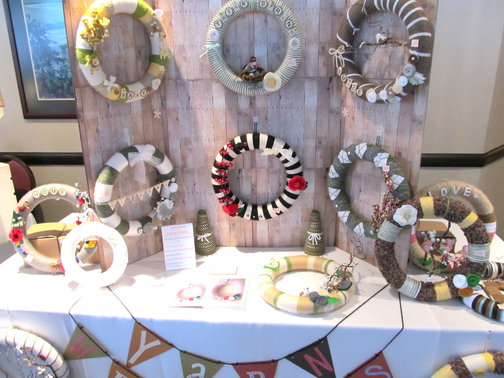 new craft ideas for craft shows craft show yarn wreath booth i created the wall to hang 7839
