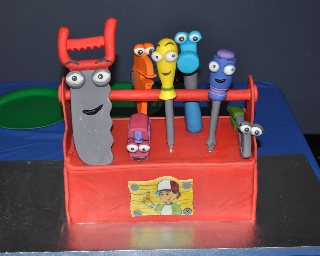 Handy manny toolbox cake all tools all decorations are for Handy manny decorations