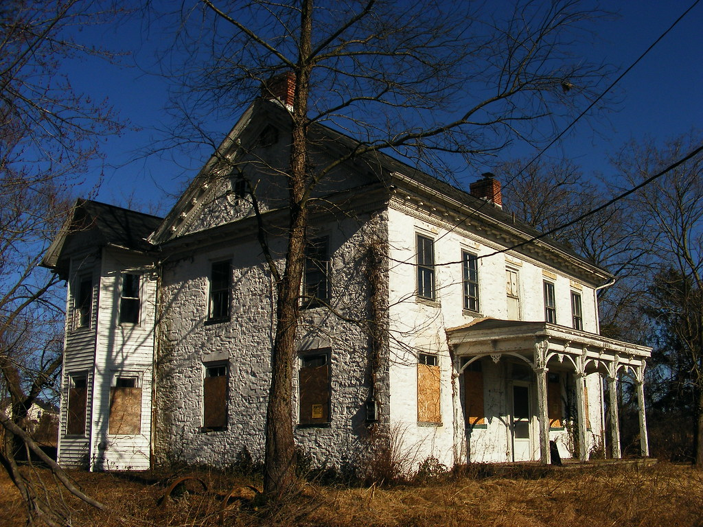 5 Homes That Prove That Less Is More: Abandoned Places In PA And NJ