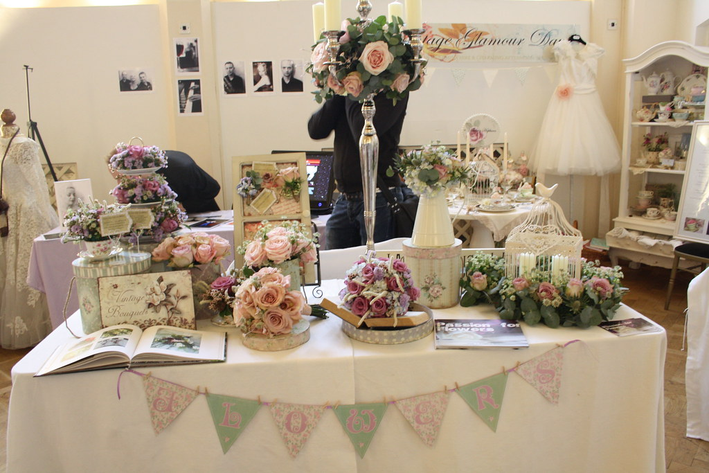 ... vintage wedding fair floral design display | Flickr - Photo Sharing: https://www.flickr.com/photos/46603454@N02/5425657427