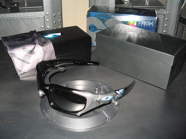 b9c272582a Oakley Tron Pitboss