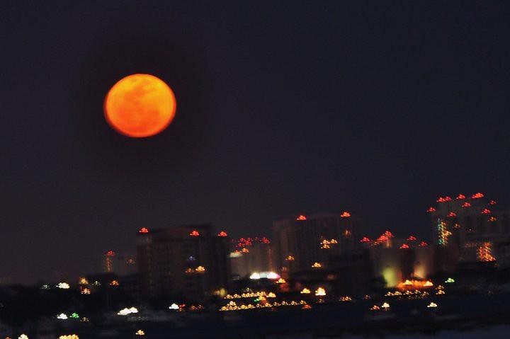 Super Full Moon! (NASA, 03/19/11) | Editor's note: We ...