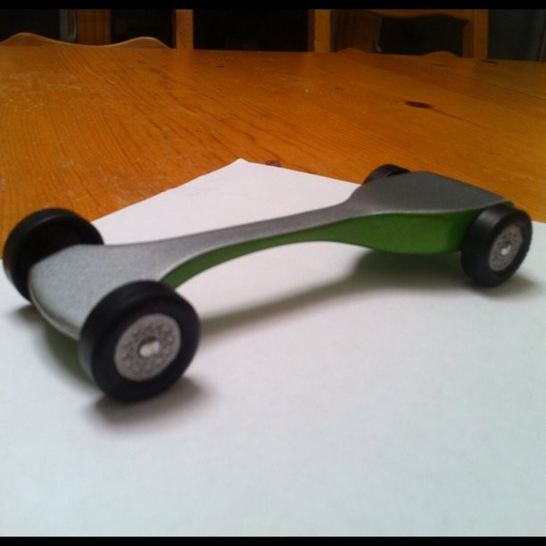 Going Fast in a Car Pinewood Derby Car is go