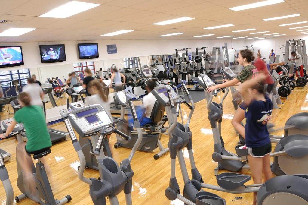 John compardo fitness center the john compardo fitness for Gimnasio 1 de mayo