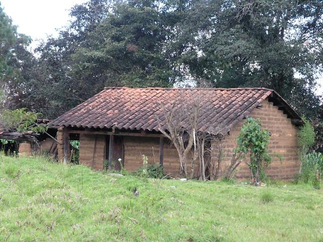 Casa con tejas house with tiles entre chichicastenango - Casas con tejas ...