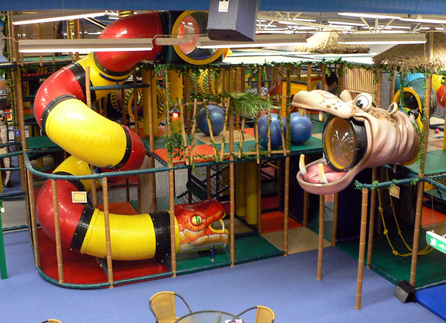 Themed indoor playground jungle themed snake spiral for Indoor play slide