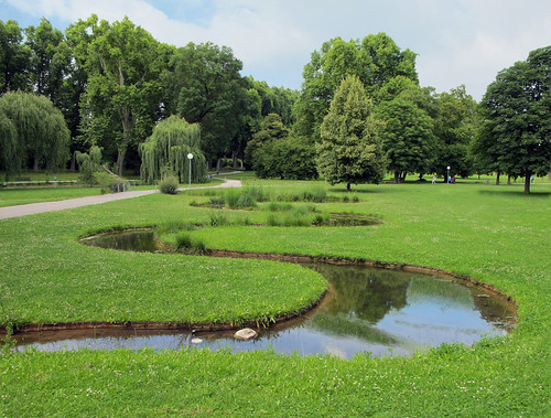 Sharp Curves in the Castle Park, Stuttgart, Germany | by Batikart ... O F F !!!