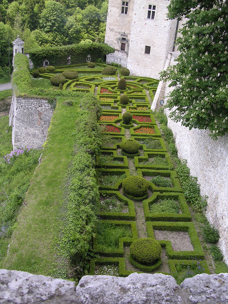 Pieskowa skala view into castles 39 parterre gardens flickr for Parterre 3d