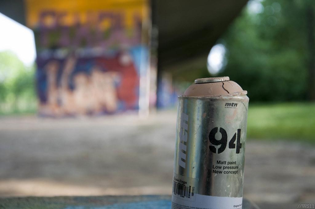 94 une bombe de peinture abandonn e william schmitt flickr. Black Bedroom Furniture Sets. Home Design Ideas