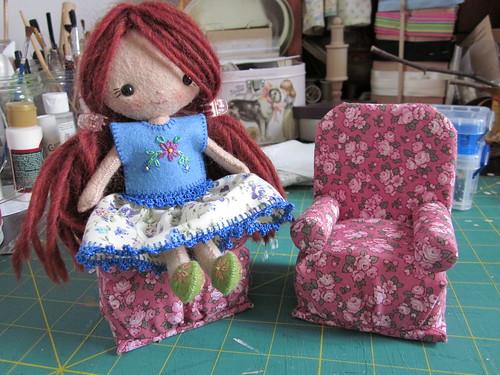 Мебель для кукол своими руками из подручных материалов фото