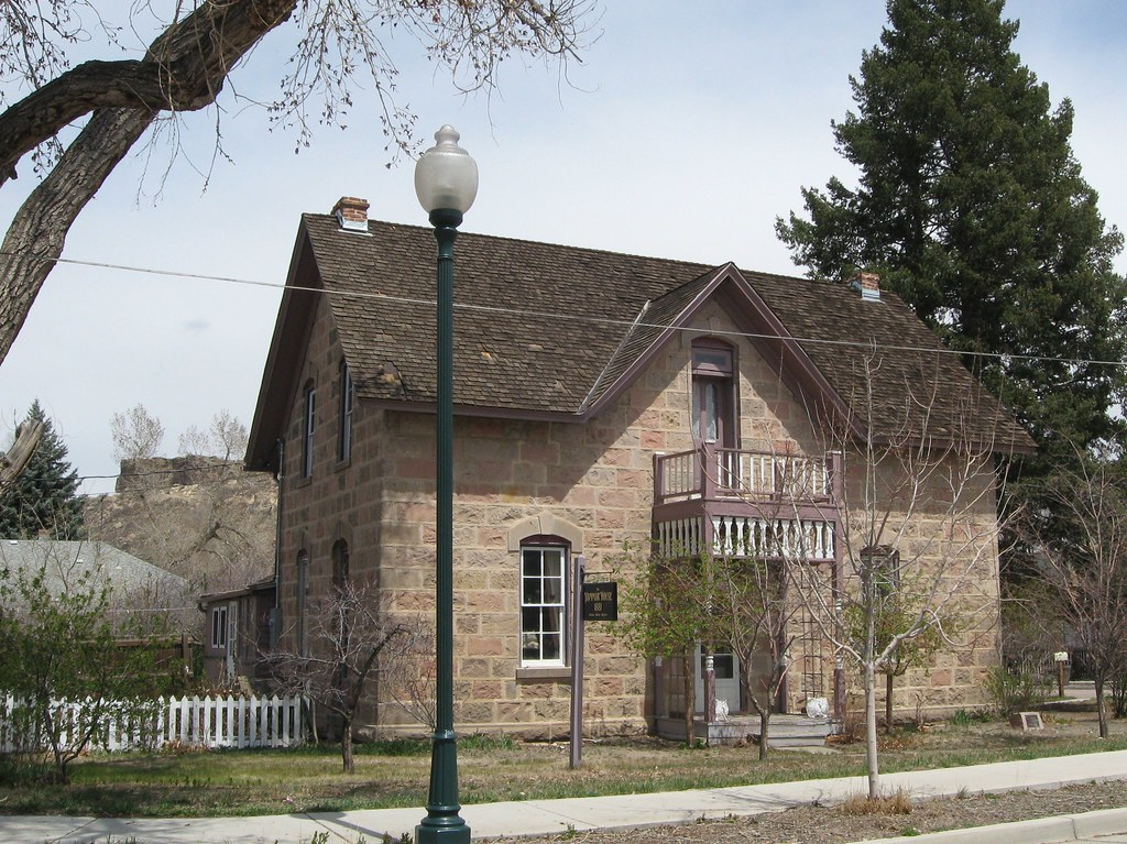 Hammar House With The Castle Rock Hammar House With The