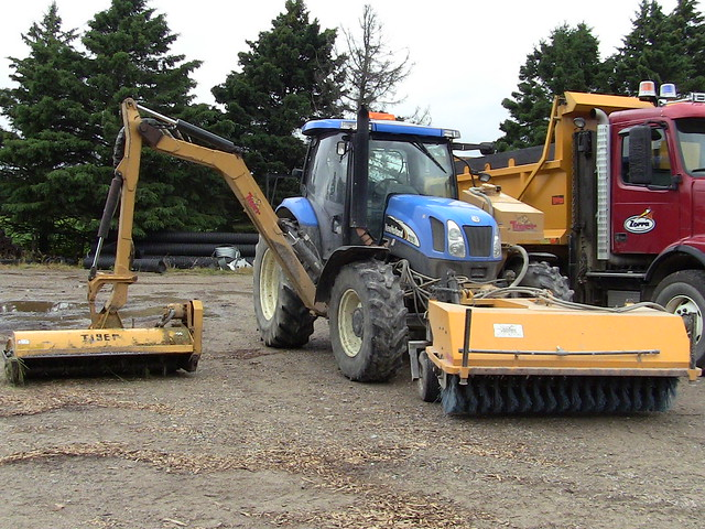 Tractor Rotary Broom For Garden : A new holland tractor with side arm mower and rotary broom