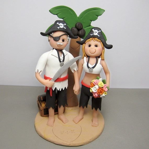 pirate ship wedding cake topper pirate wedding cake topper pirate and groom on a 18617