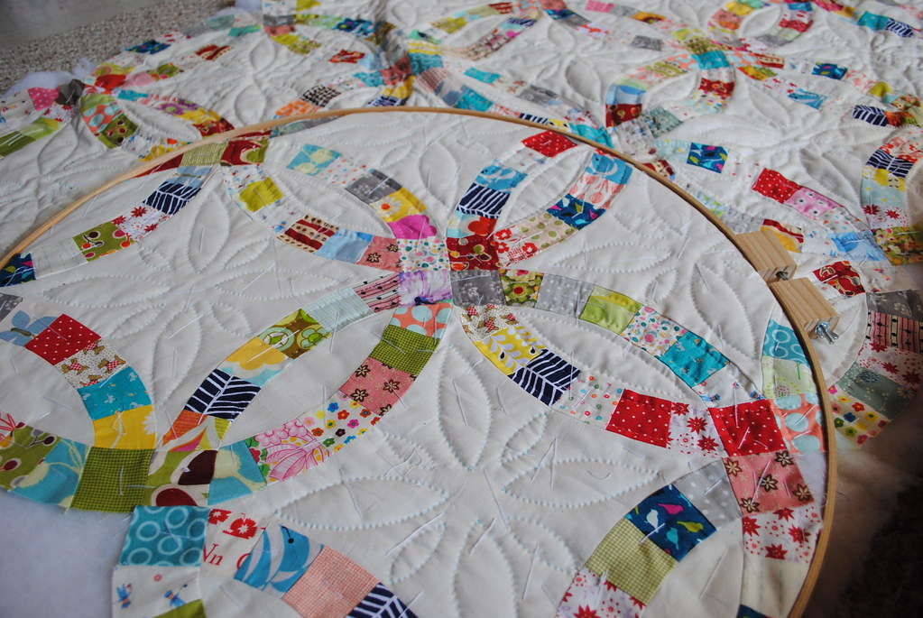 Double Wedding Ring Quilt The Hand Quilting Is Slow In