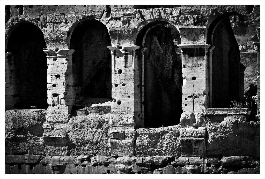 Arcate colosseo roma in bianco e nero b w black and whit for Roma in bianco e nero