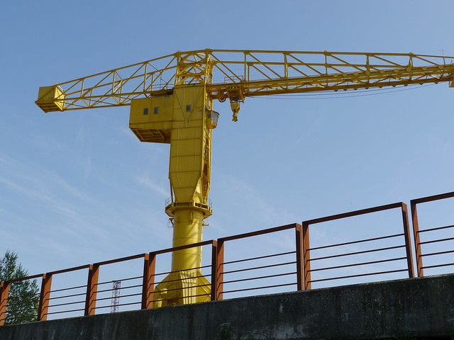 nantes la grue jaune flickr photo sharing. Black Bedroom Furniture Sets. Home Design Ideas