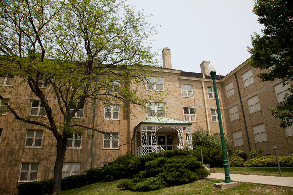 Lincoln Hall | Lincoln Hall on the campus of Eastern Illinoi ...
