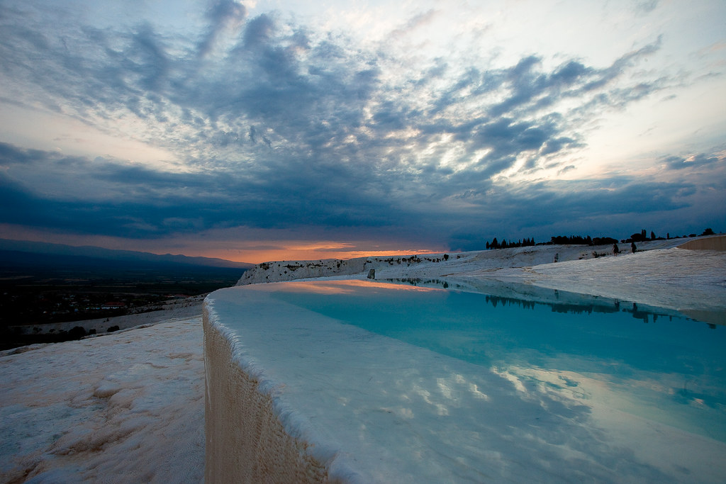 Pamukkale turkey pamukkale meaning cotton castle in for Piscine meaning in english