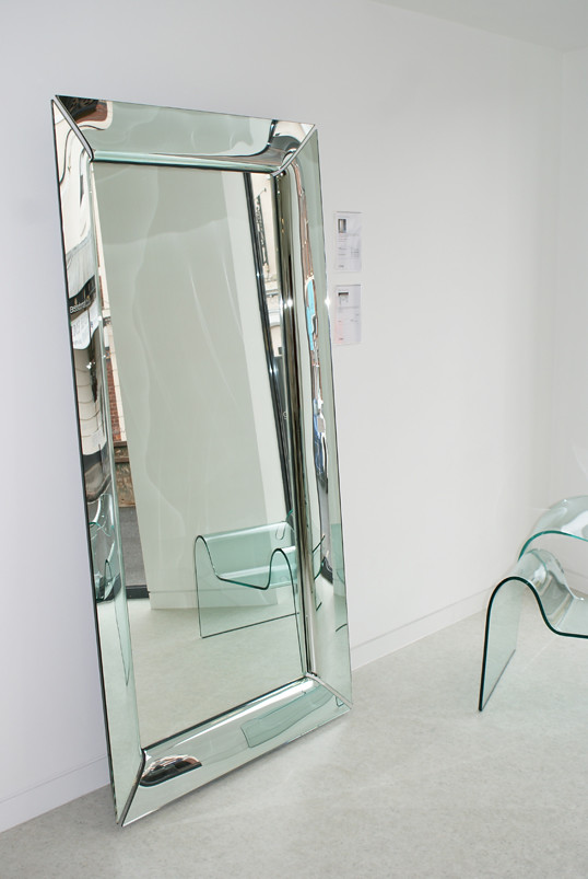 Fiam caadre mirror designed by philippe starck view the for Philippe starck miroir