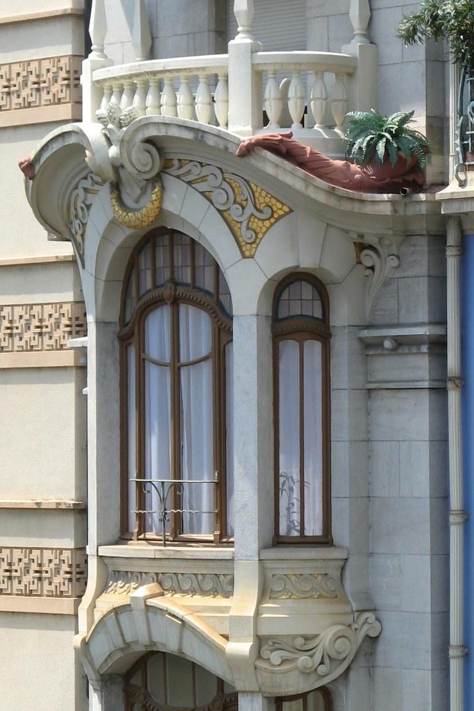 Art nouveau architecture in montreux detail an for Architecture art nouveau
