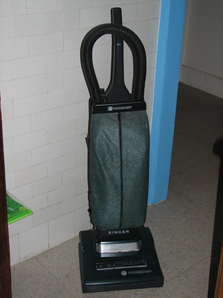 Vacuum Cleaner Singer Poweramp 7 5 Floor And Carpet